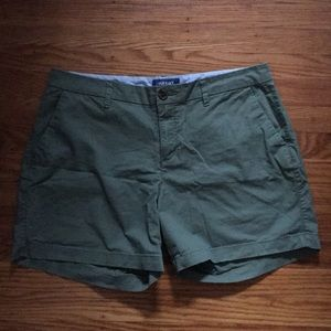 """Old Navy green """"everyday shorts"""", size 10"""